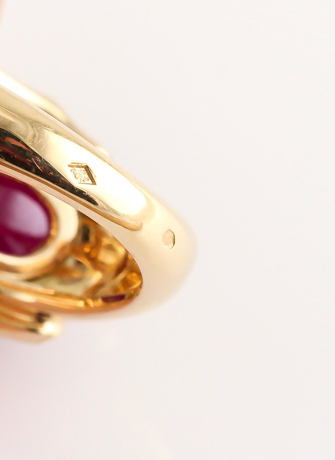 Cartier Panthere Ruby Emerald Onyx Gold Ring 5