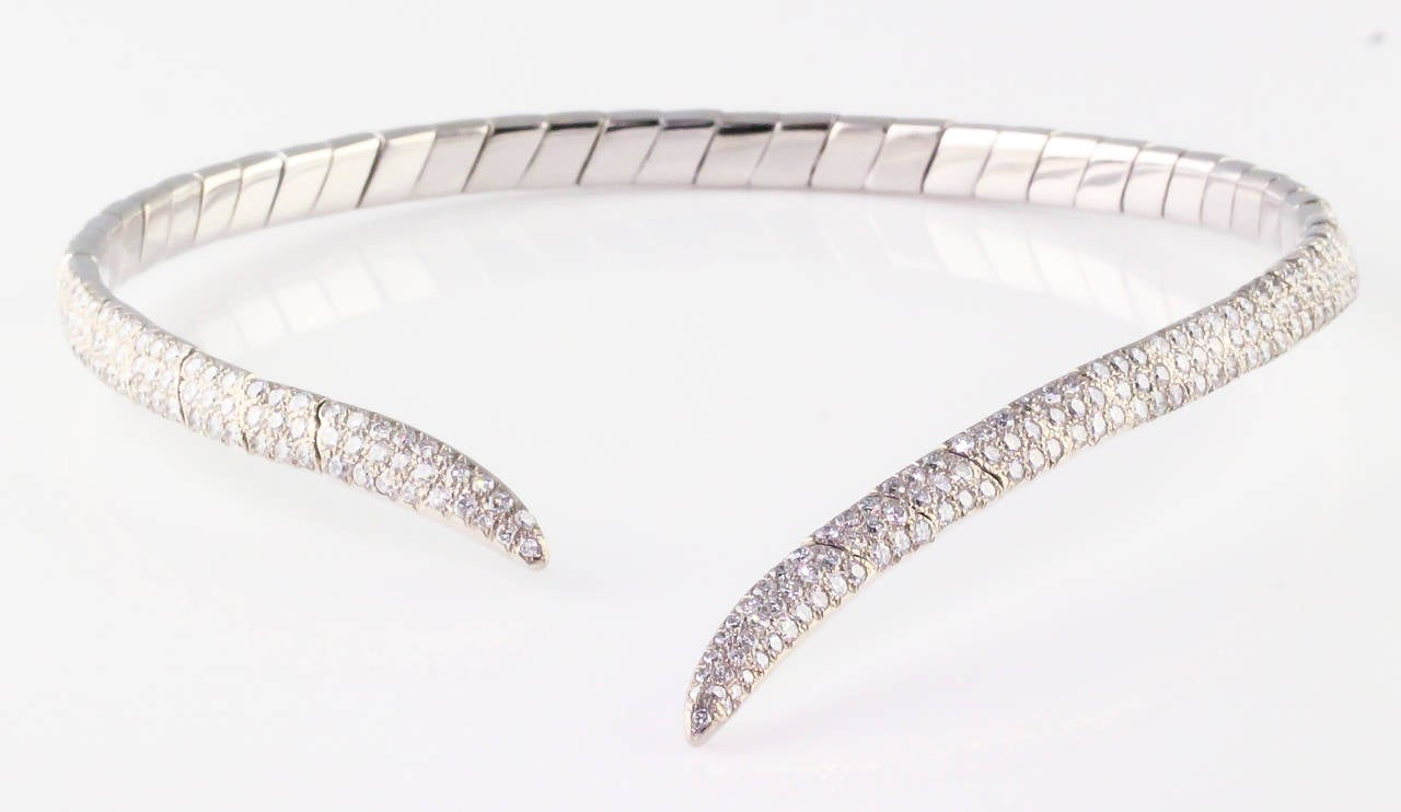 Boucheron Diamond and White Gold Necklace In Excellent Condition For Sale In New York, NY