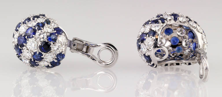 Sapphire Diamond Gold Dome Earrings In Excellent Condition For Sale In New York, NY