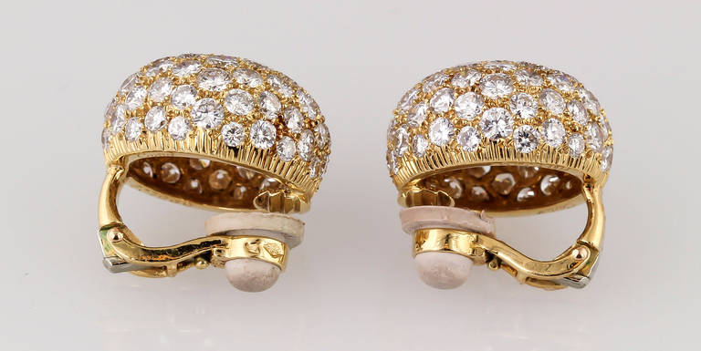 Cartier Diamond Gold Dome Earrings In Excellent Condition For Sale In New York, NY
