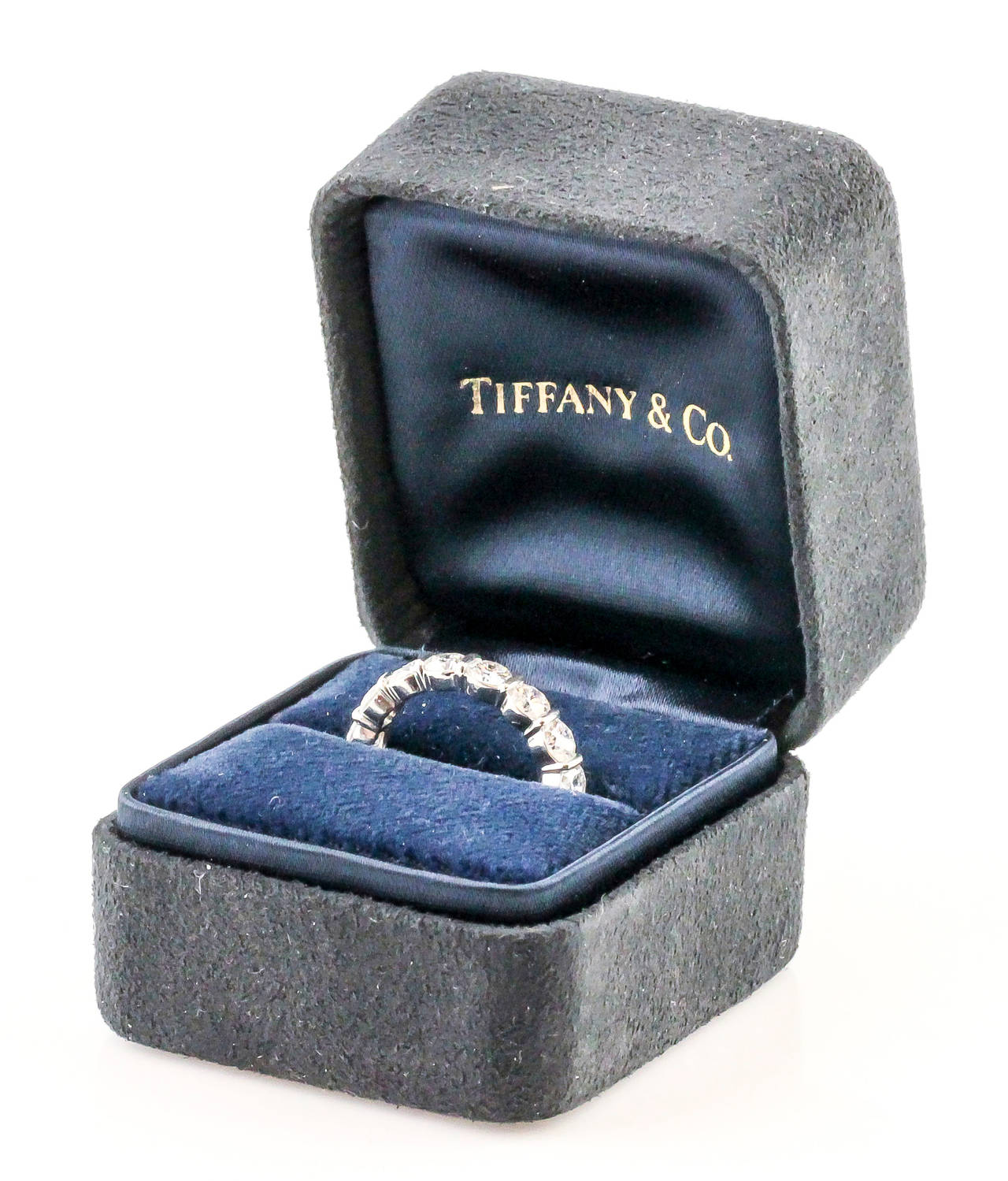 Tiffany & Co. Shared Setting Diamond Platinum Band 4