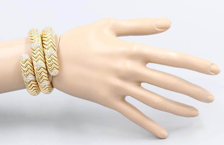 Women's Bulgari Spiga Diamond Gold Snake Bracelet For Sale