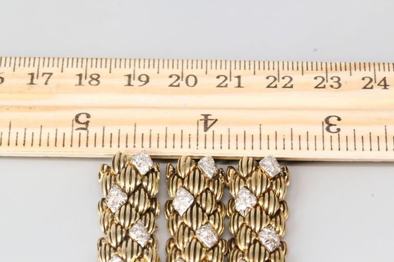 David Webb Three-Diamond Gold Link Bracelets For Sale 1