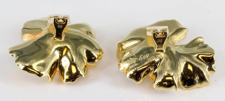 JAR Large Geranium Gold Tone Aluminum Earrings In Excellent Condition For Sale In New York, NY