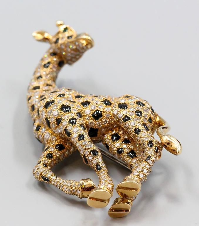 Women's Cartier Onyx Emerald Diamond Gold Giraffe Brooch For Sale