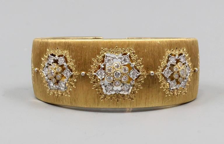 M. Buccellati Diamond Gold Wide Cuff Bracelet In Excellent Condition For Sale In New York, NY