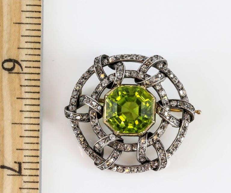 Carl Faberge Peridot Diamond Gold Brooch 7