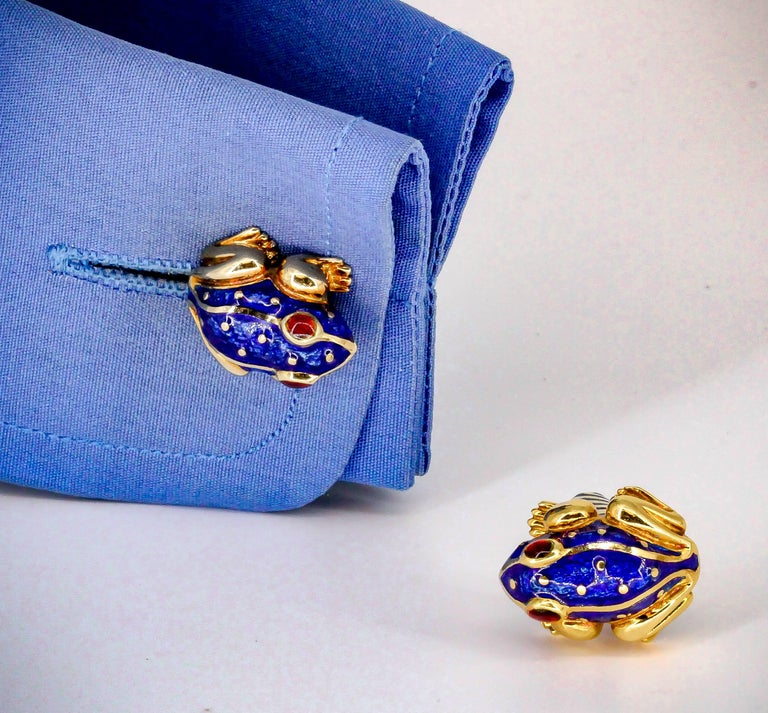 David Webb Enamel Gold Frog Cufflinks For Sale 3