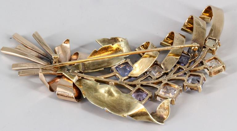 Retro Blue and Yellow Sapphire Diamond Gold Brooch In Good Condition For Sale In New York, NY