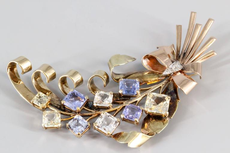 Women's Retro Blue and Yellow Sapphire Diamond Gold Brooch For Sale