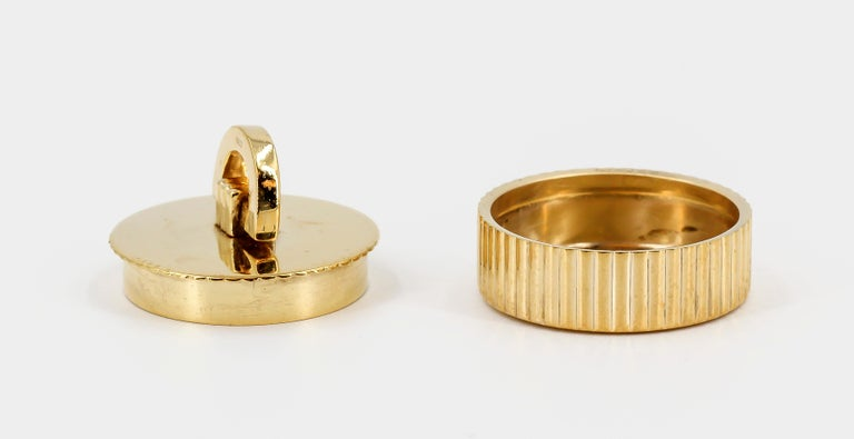 Cartier London Round Pill Box with Removable Lid For Sale 1