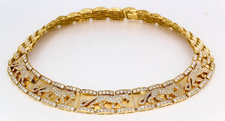 Impressive and rare diamond and 18K yellow gold necklace from the