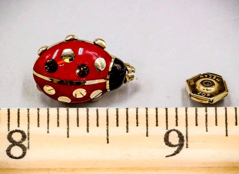 Cartier Yellow Gold and Enamel Ladybug Pin In Excellent Condition For Sale In New York, NY
