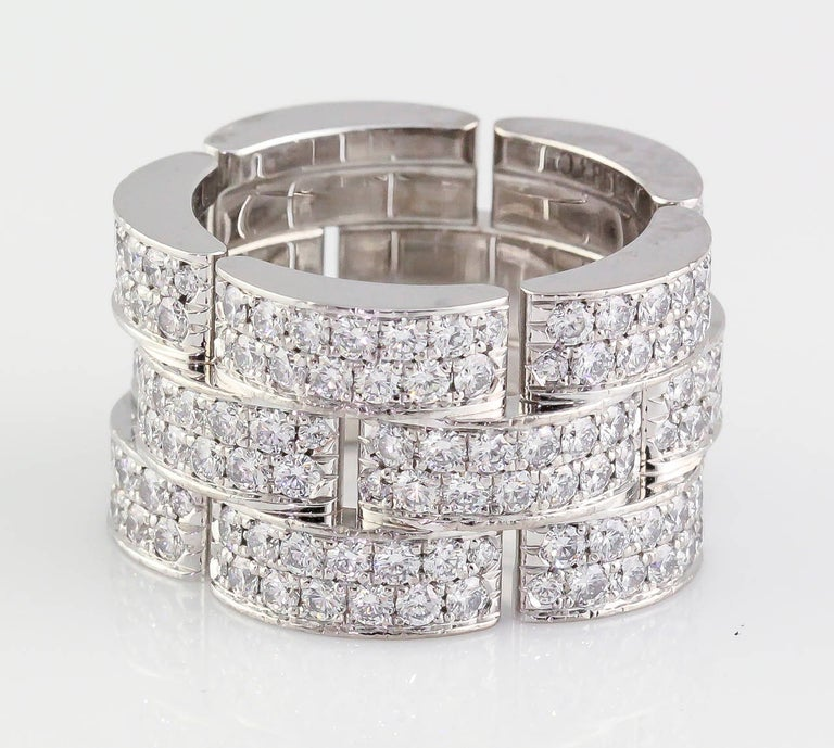 Impressive diamond and 18K white gold band from the