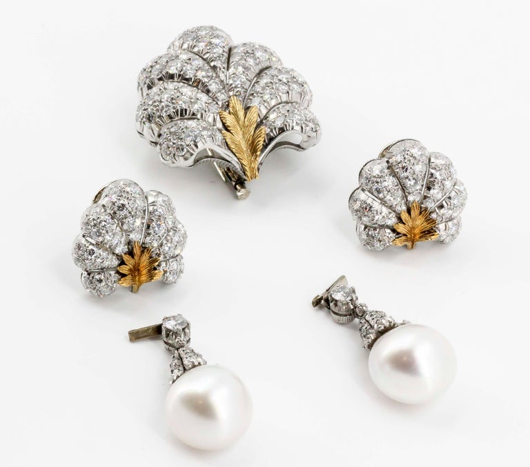 Women's BUCCELLATI Diamond Pearl Platinum 18k Gold Day Night Earrings and Brooch Set For Sale