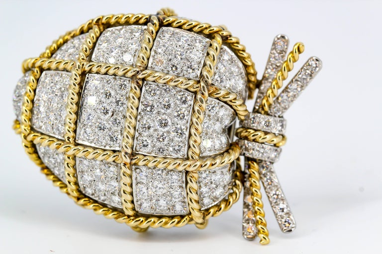 Verdura Diamond, Platinum and Gold Wrapped Heart Shaped Brooch For Sale 1