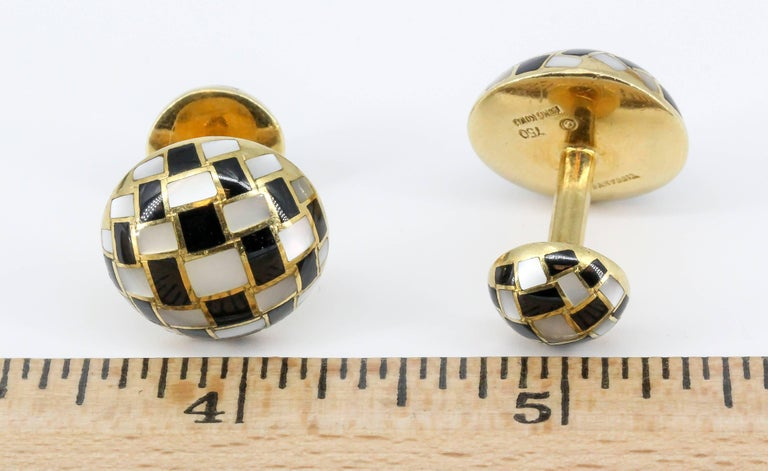 Tiffany & Co. Inlaid Black Jade, Mother-of-Pearl and Gold Cufflinks For Sale 4