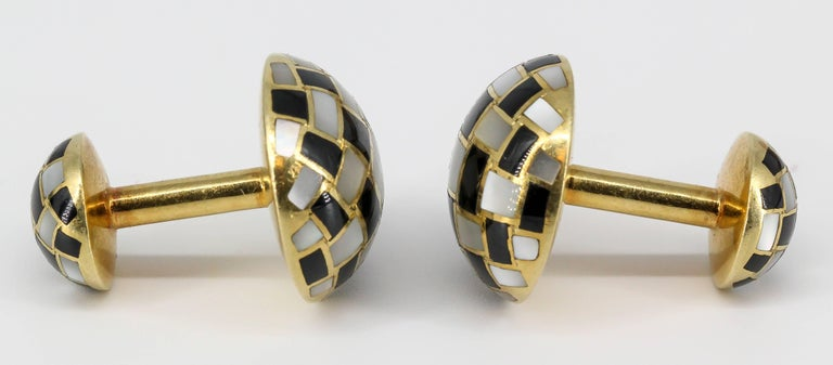 Tiffany & Co. Inlaid Black Jade, Mother-of-Pearl and Gold Cufflinks For Sale 2