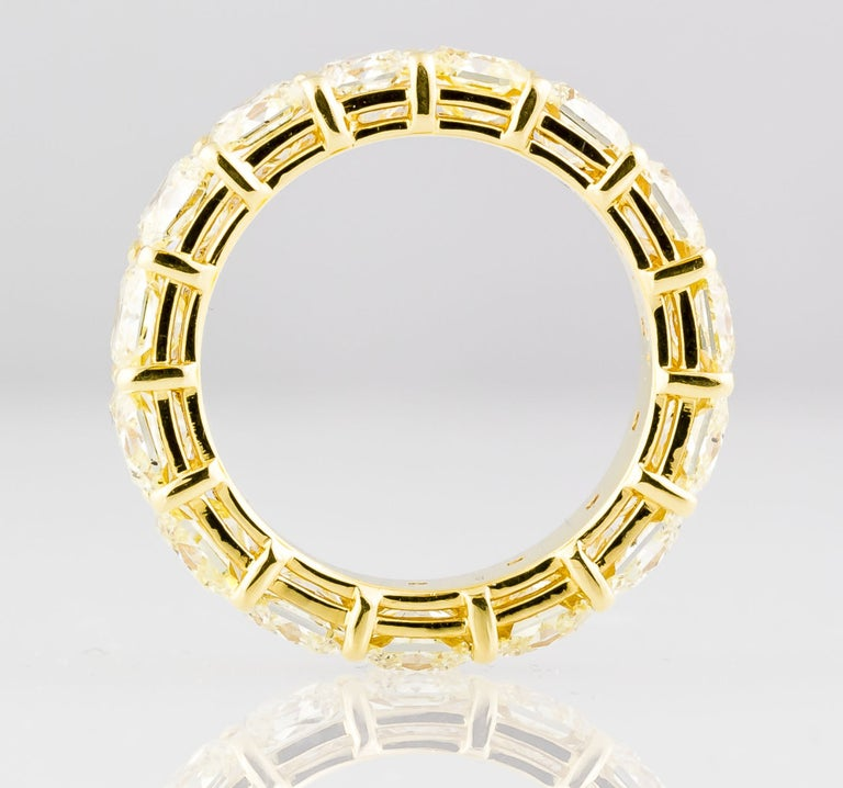 Contemporary Fancy Yellow Diamond and Gold Band For Sale