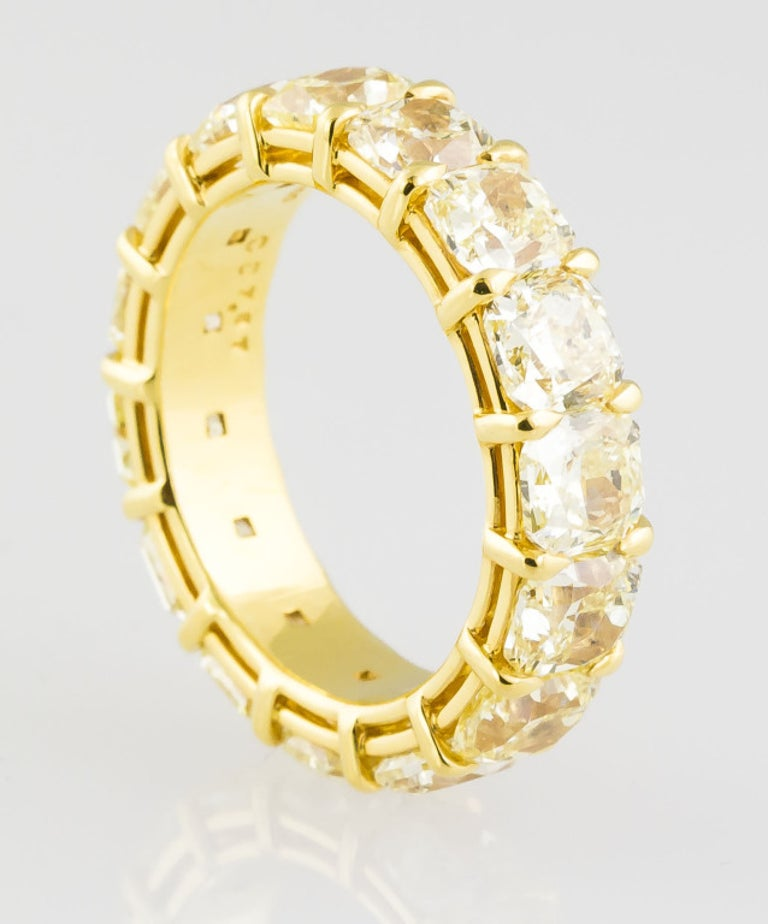 Women's Fancy Yellow Diamond and Gold Band For Sale