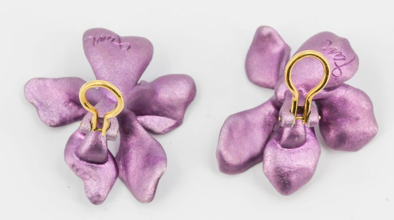 JAR Aluminium and Gold Pansy Earclips For Sale 2