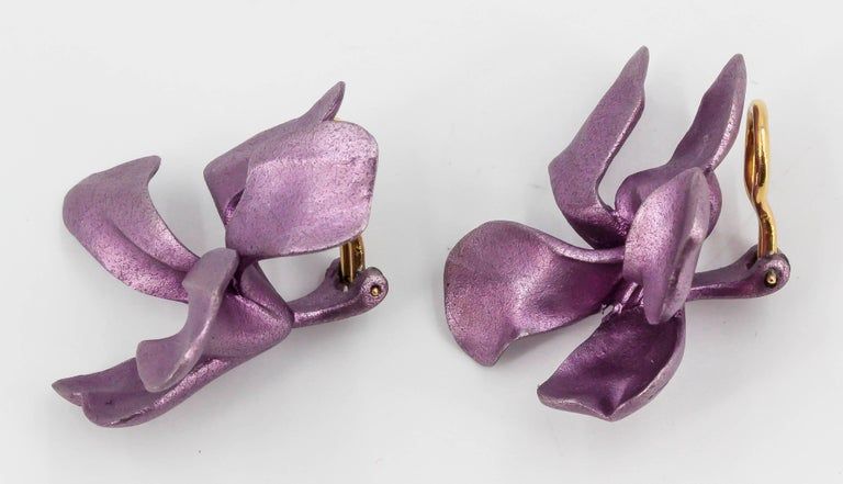 JAR Aluminium and Gold Pansy Earclips For Sale 3