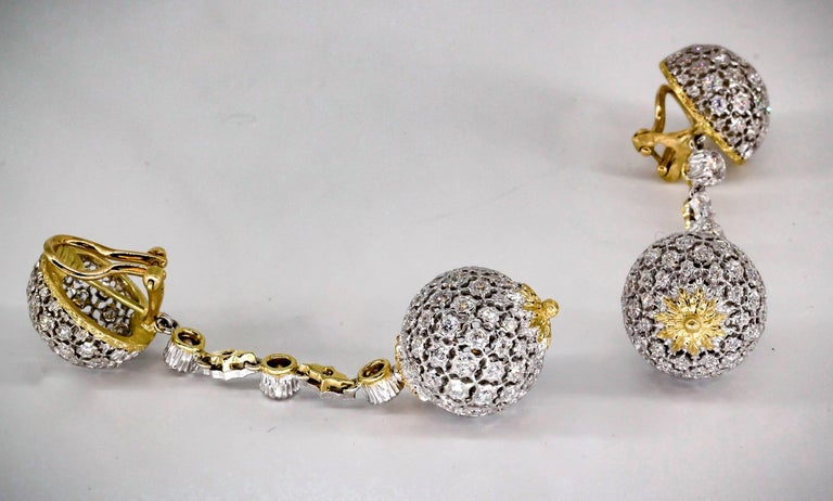 Mario Buccellati Diamond Two-Tone 18 Karat Gold Dangle Earrings In Excellent Condition For Sale In New York, NY