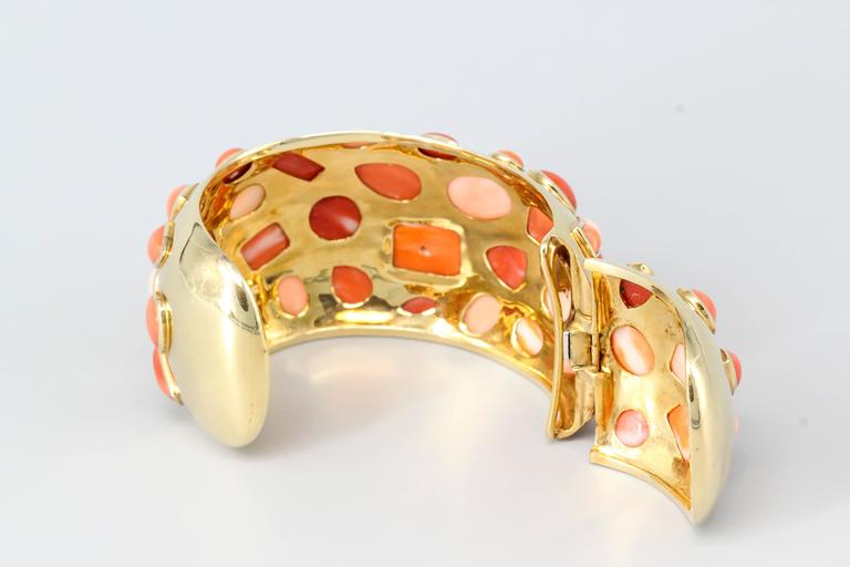 Seaman Schepps 1950s Coral Gold Cuff Bracelet In Good Condition For Sale In New York, NY