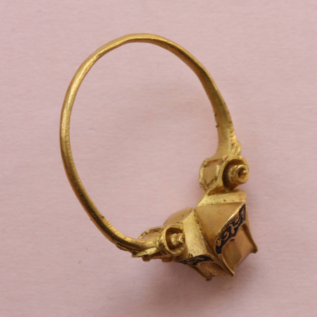 Women's or Men's 16th Century Ruby Gold Quatrefoil Renaissance Ring