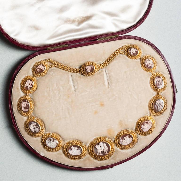 Women's Antique English Georgian Regency Sardonyx Cameo Gold Necklace For Sale