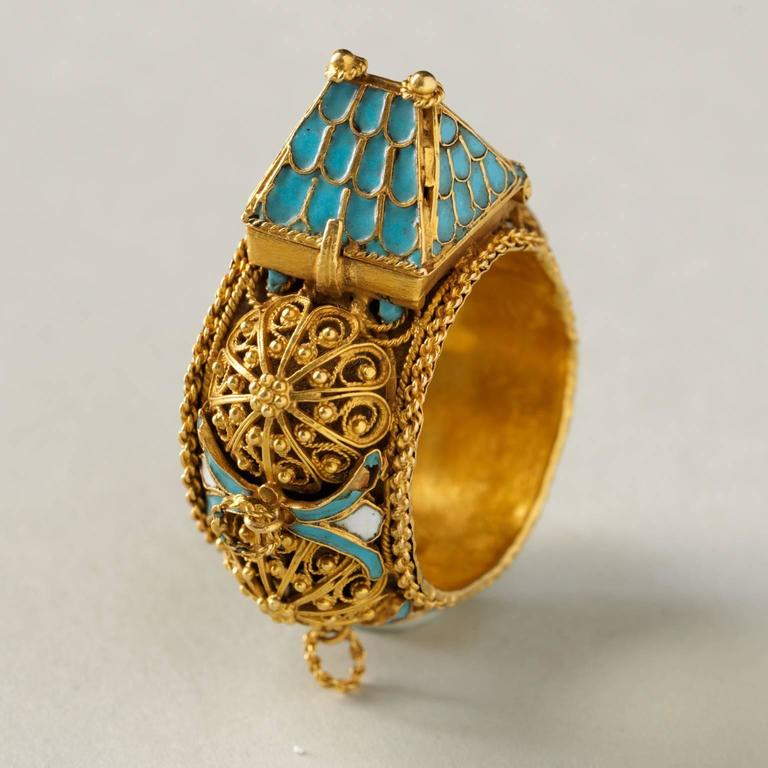 Important Jewish Marriage Ring In Excellent Condition For Sale In Amsterdam, NL