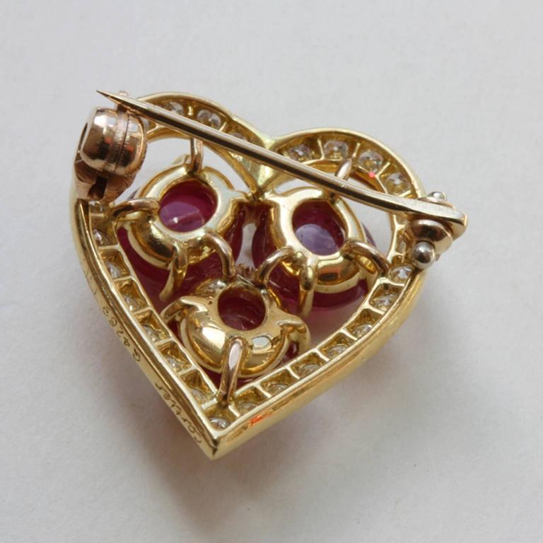 Ruby Diamond gold Heart Brooch In Excellent Condition For Sale In Amsterdam, NL