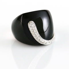 K Di Kuore Ebony 18 Karat White Gold Diamond Cocktail Ring