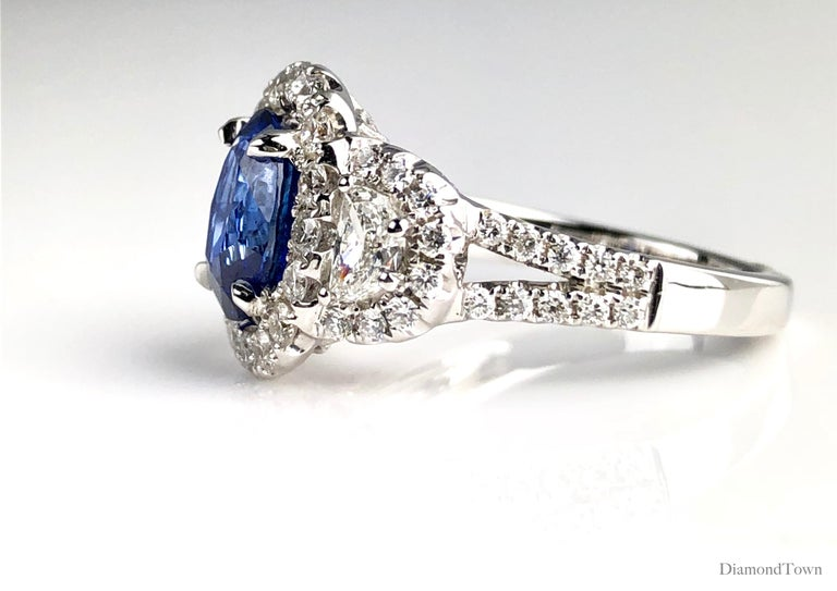 2.26 Carat Oval Cut Vivid Blue Ceylon Sapphire and Diamond Ring in White Gold In New Condition For Sale In New York, NY