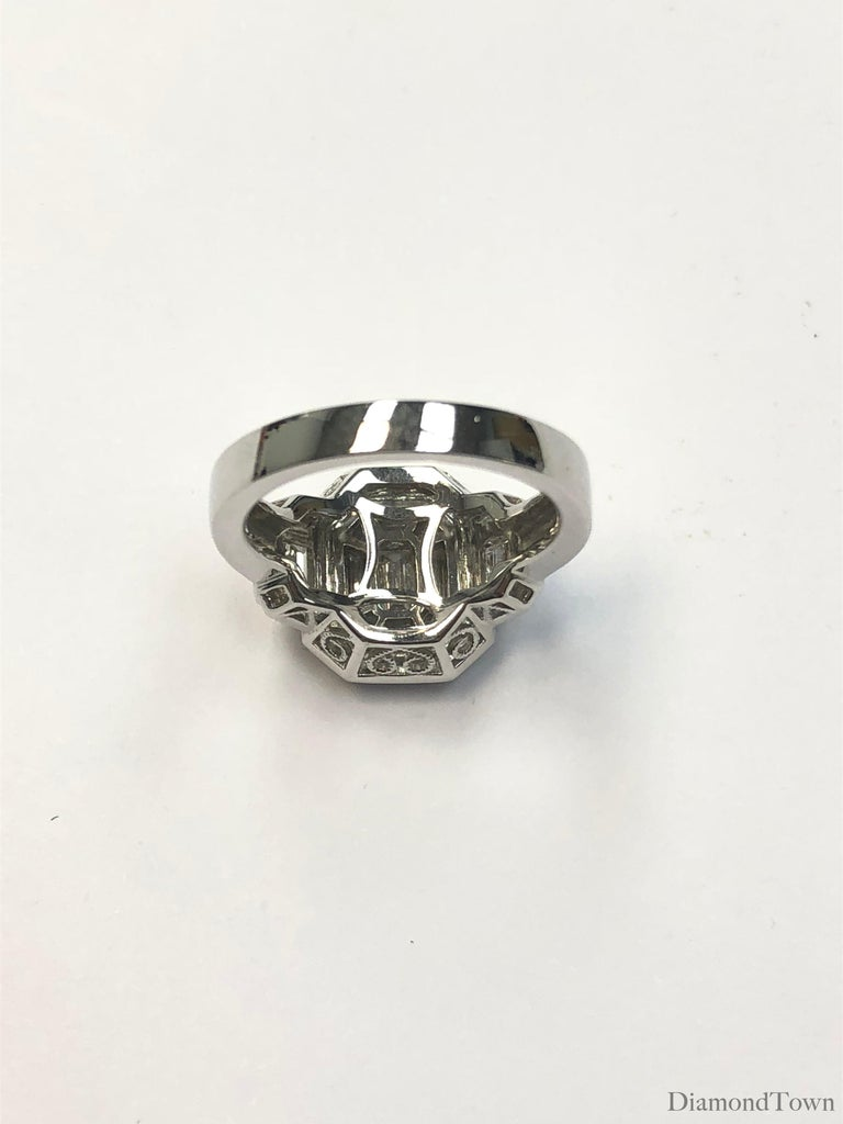 Contemporary 1.66 Carat Diamond Cluster Ring in 18 Karat White Gold For Sale