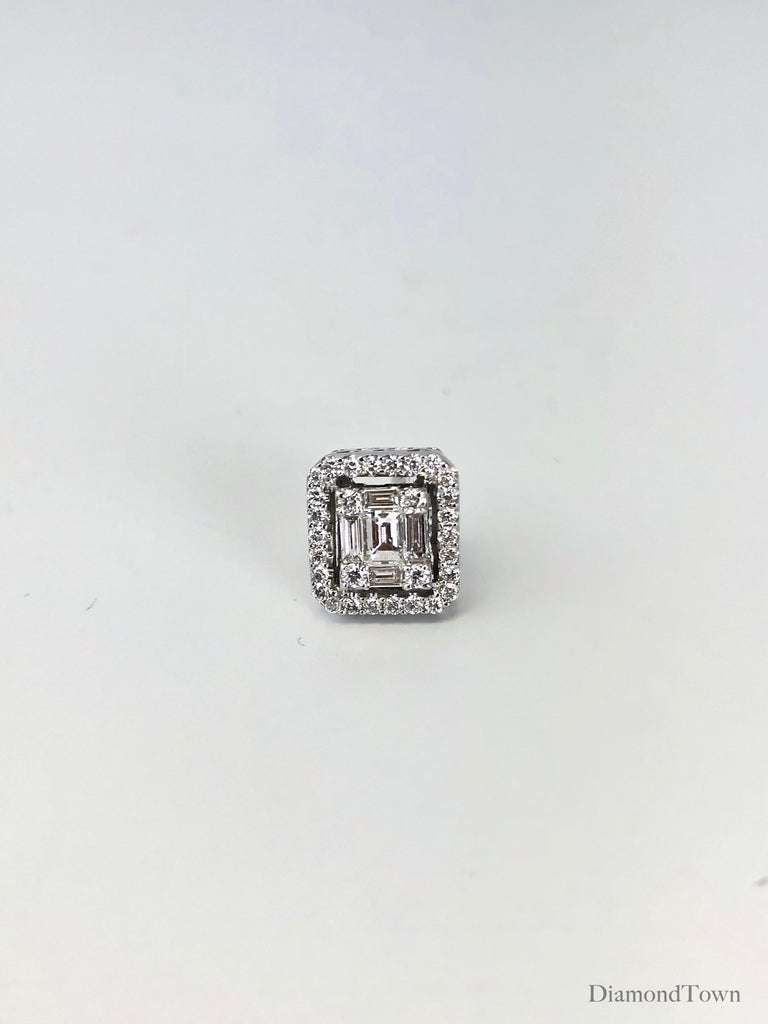 0.75 Carat Cluster Stud Diamond Earrings in 18 Karat White Gold In New Condition For Sale In New York, NY