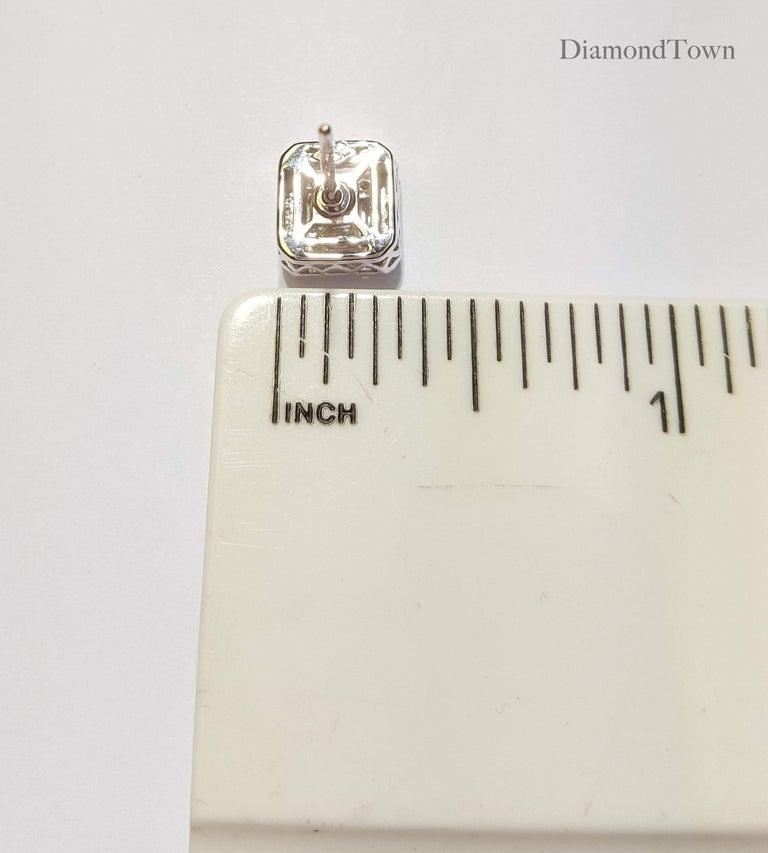 0.75 Carat Cluster Stud Diamond Earrings in 18 Karat White Gold For Sale 1