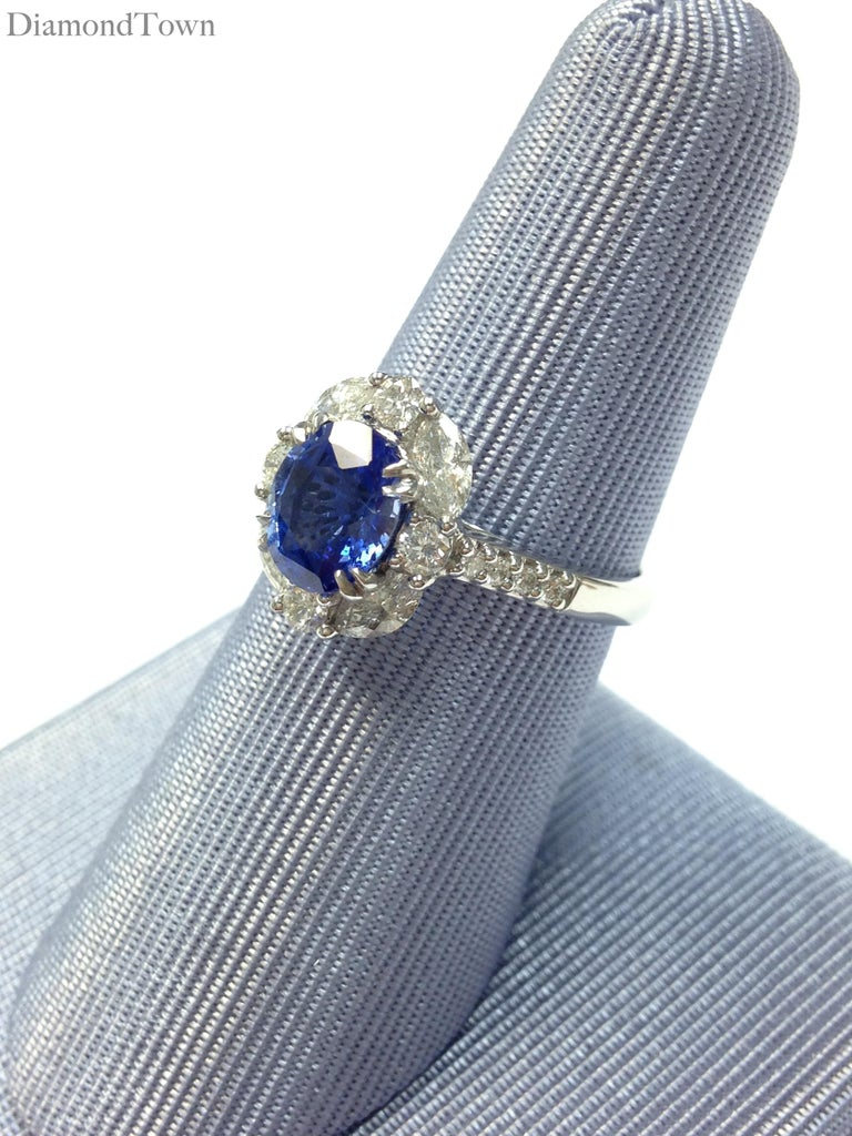 Contemporary GAL Certified 1.83 Carat Oval Cut Ceylon Sapphire and Diamond Cocktail Ring For Sale