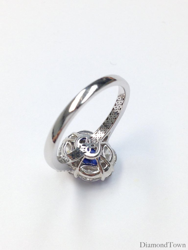 GAL Certified 1.83 Carat Oval Cut Ceylon Sapphire and Diamond Cocktail Ring For Sale 1