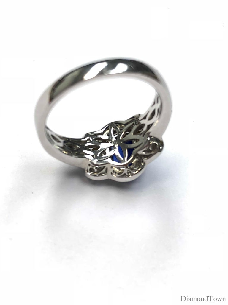 Women's GAL Certified 1.44 Carat Oval Cut Blue Sapphire and Diamond Cocktail Ring For Sale