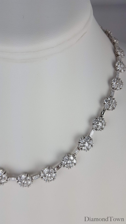 Women's 21.84 Carat Diamond Flower Necklace in 18 Karat White Gold For Sale