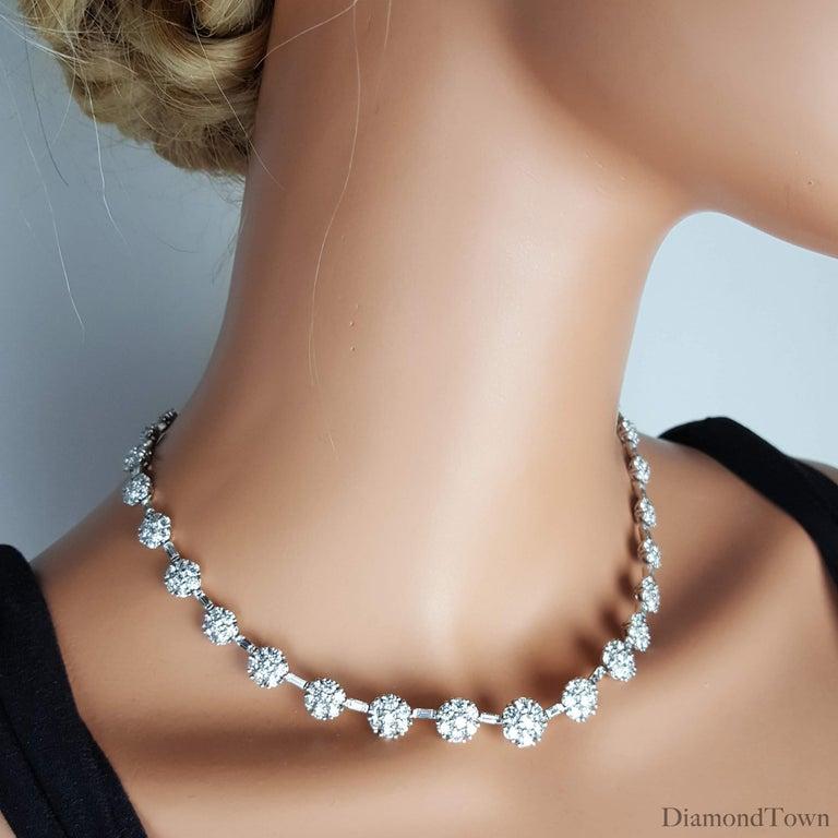 21.84 Carat Diamond Flower Necklace in 18 Karat White Gold For Sale 2