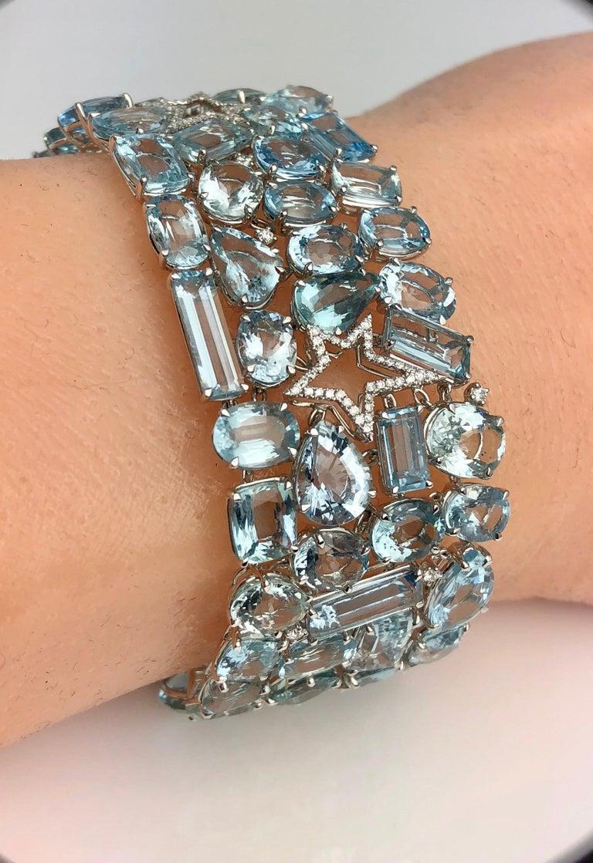 Contemporary 111.28 Carat Aquamarine and 0.94 Carat Diamond Bracelet in 18 Karat White Gold For Sale