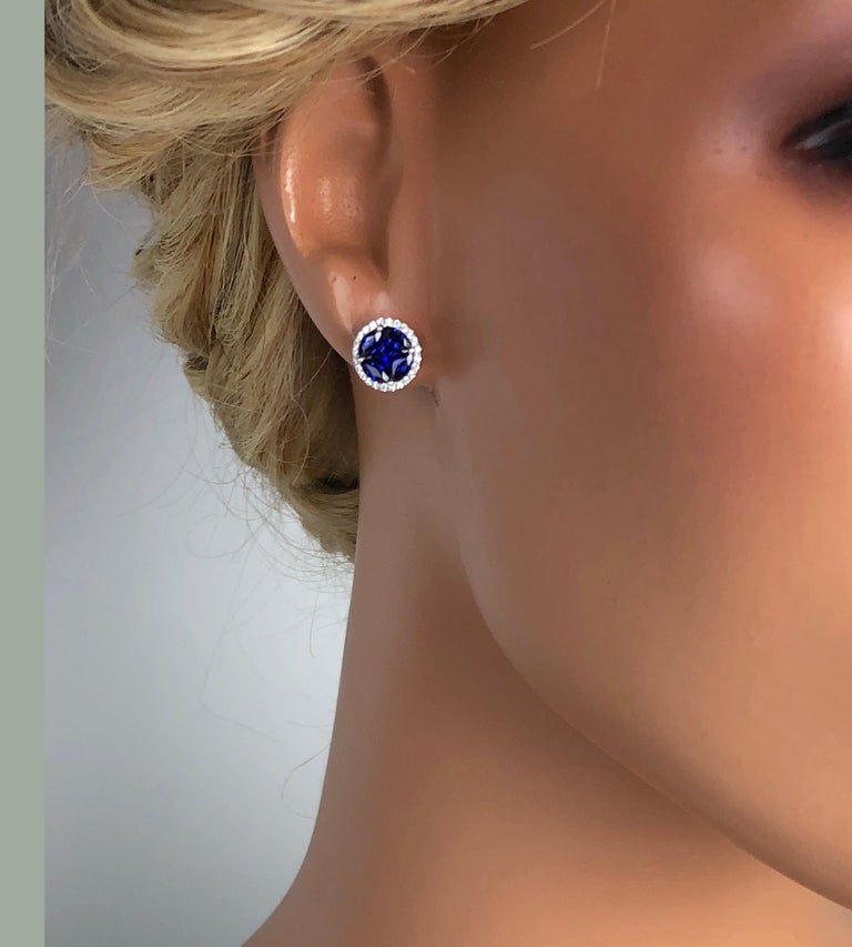 Contemporary 1.72 Carat Sapphire and 0.21 Carat Diamond Stud Earrings in 18 Karat White Gold For Sale