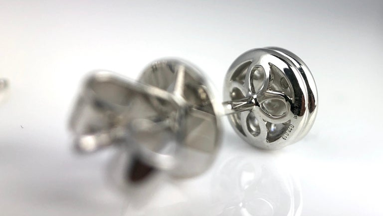 1.72 Carat Sapphire and 0.21 Carat Diamond Stud Earrings in 18 Karat White Gold In New Condition For Sale In New York, NY