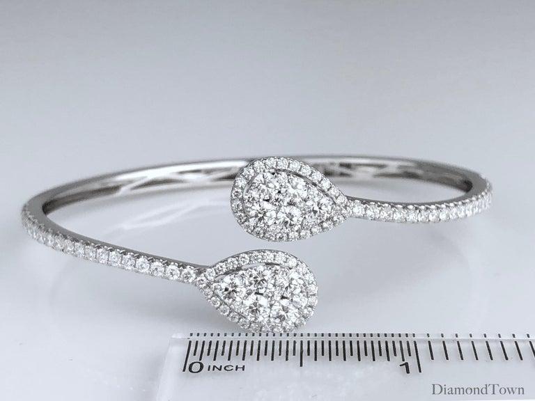 2.93 Carat Diamond Bangle Bracelet in 18 Karat White Gold by Diamond Town For Sale 1