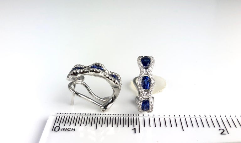 1.23 Carat Oval Cut Vivid Blue Sapphire and Diamond Earrings In New Condition For Sale In New York, NY