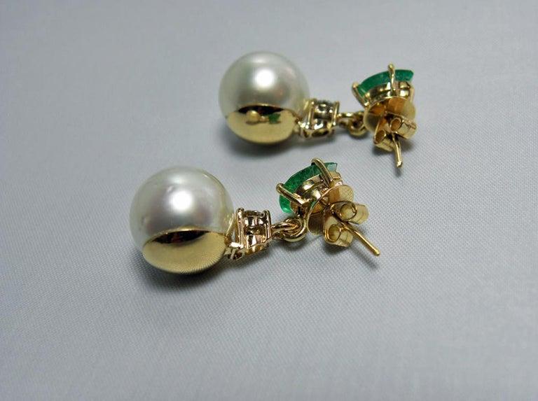 Natural Emerald Diamond and South Sea White Pearl Dangle Earrings 18 Karat For Sale 1