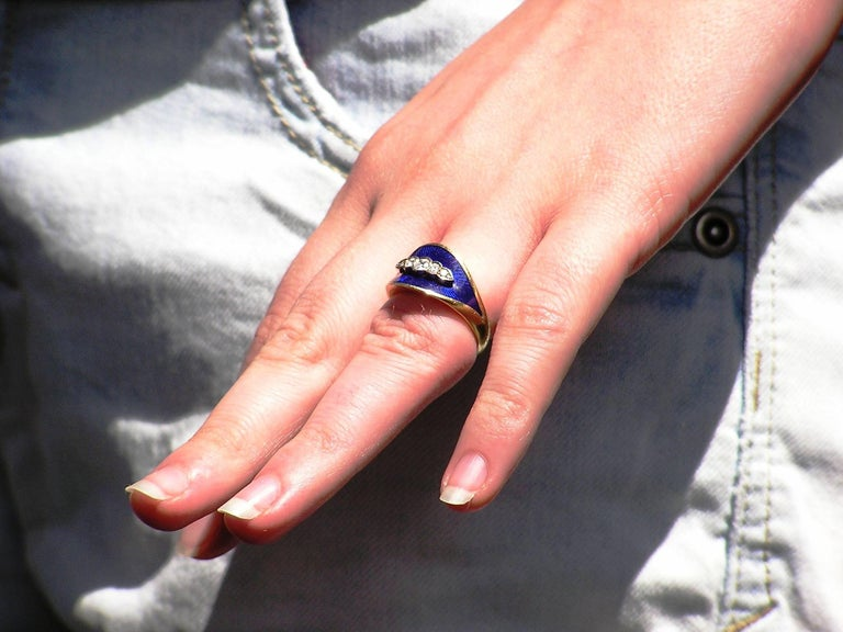 Blue Enamel Diamonds Yellow Gold Band Ring, 1950s In New Condition For Sale In Milano, IT