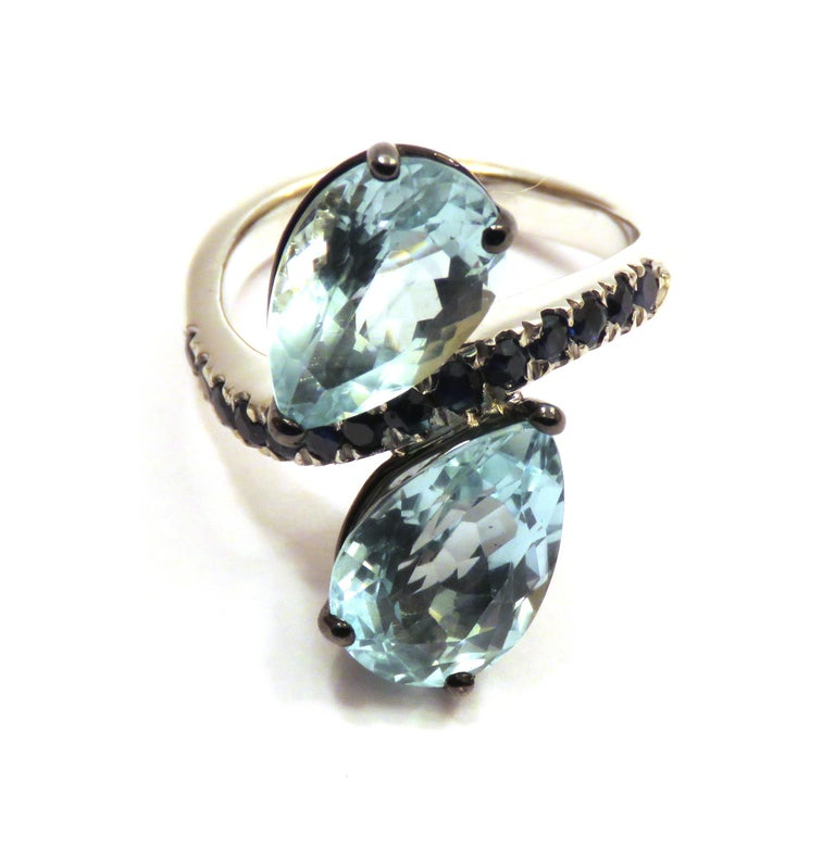 Pear Cut Aquamarine Blue Sapphires  White 18 Karat Gold Cocktail Ring Modern Contemporary For Sale